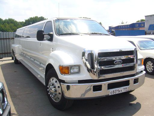 аренда лимузина ford f650