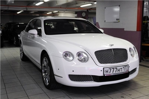Седан Bentley Flying Spur Белый